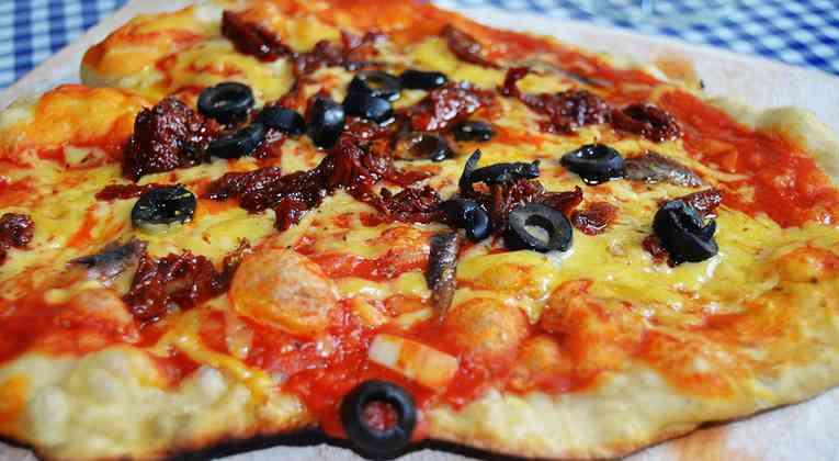 Pizza uit de houtoven