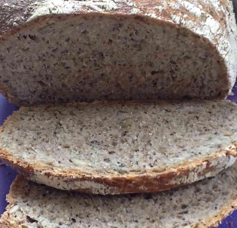 """Volkoren brood """"no knead"""" met zaden en pitten"""